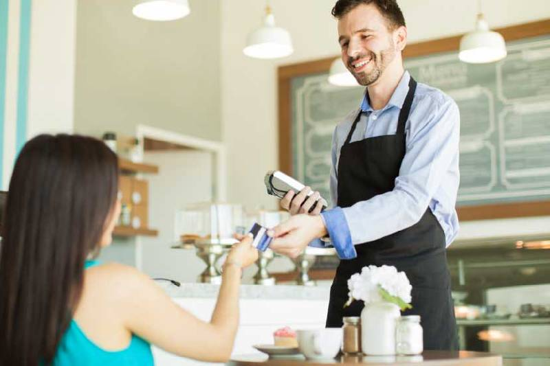 How can employee training sessions help restaurants?